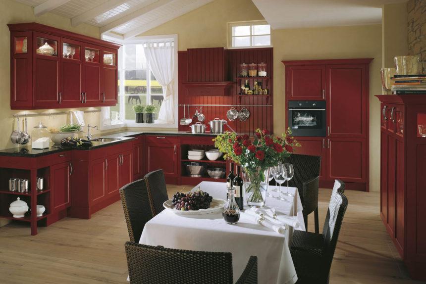 Cuisine Bristol Rouge carmin