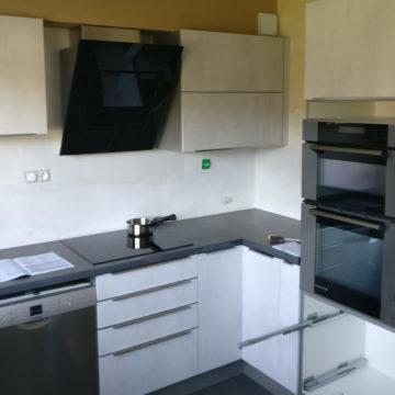 Encore une nouvelle cuisine en cours de pose à Thonon