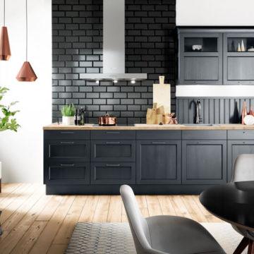 Les cuisines sombres : la tendance de cet automne